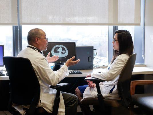 Directivos de Roswell Park debaten sobre vacuna cubana contra cáncer de pulmón