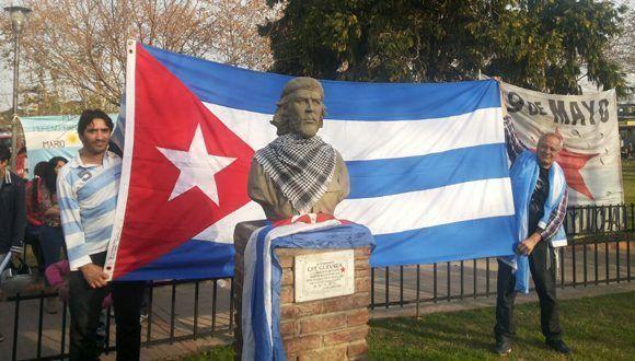 Restituyen busto del Che en Buenos Aires 580x330