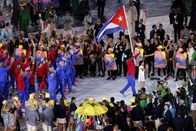 deportistas cubanos abanderados