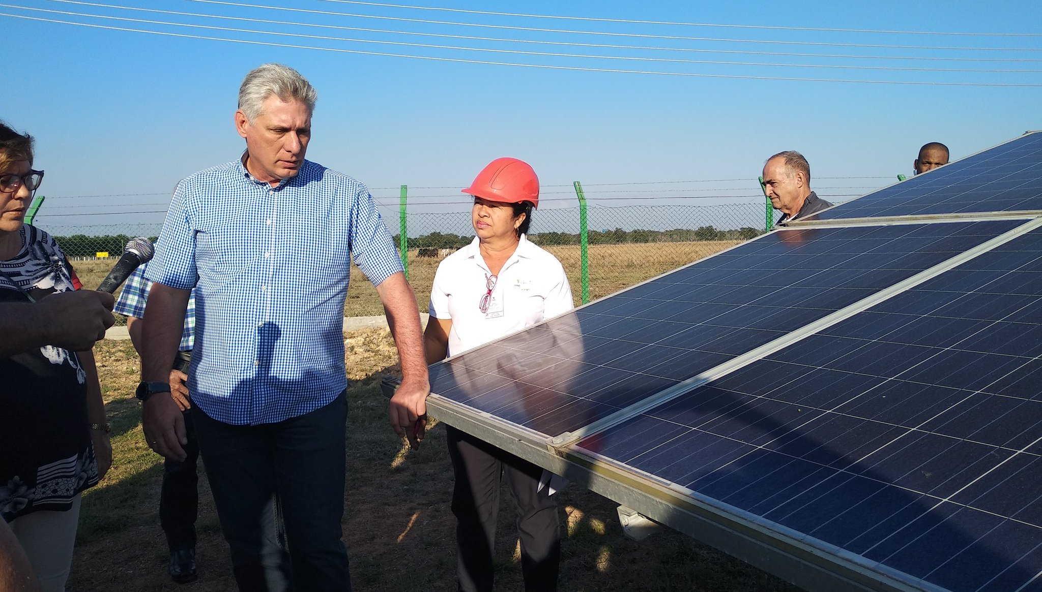 diaz canel en parque fotovoltaico siepre yaima puig meneses 1