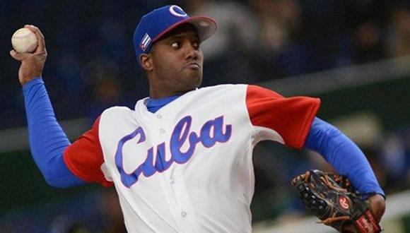 República Dominicana vence a Cuba 7-4