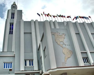 La Unesco premia labor de la institución cubana Casa de las Américas