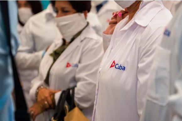 medicos cubanos en martinica 580x387