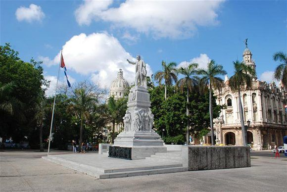 parque central la habana cuba 12 580x388