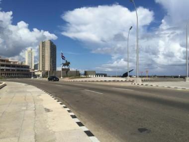Cierre de la Avenida Malecón los fines de semana