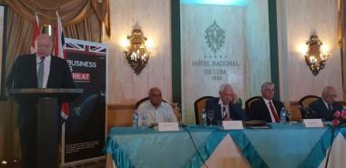 Presidente cubano asiste a foro con empresarios británicos