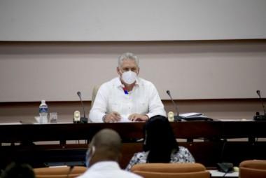 Miguel Diaz Canel Bermúdez, Presidente de la República de Cuba, asiste a la comisión sobre política de cuadros del VIII Congreso del Partido Comunista de Cuba, efectuado en el Palacio de Convenciones, en La Habana, el 16 de abril de 2021. ACN/FOTO/Ariel LEY ROYERO/dirr