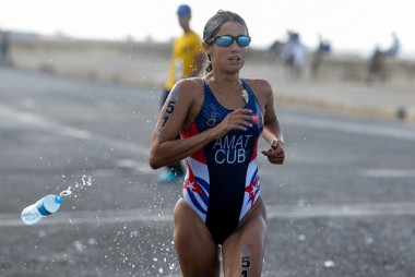 Bronce para la triatleta cubana Leslie Amat en Copa Panamericana