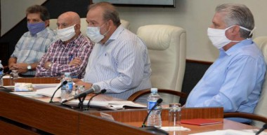 Insta Díaz-Canel a todos los cubanos a actuar con cooperación, disciplina y responsabilidad ante pandemia