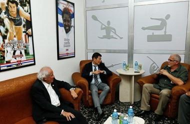 Antonio Becali Garrido , presidente del (INDER), durante un encuentro con Morinari Watanabe, presidente de la Federación Internacional de Gimnasia