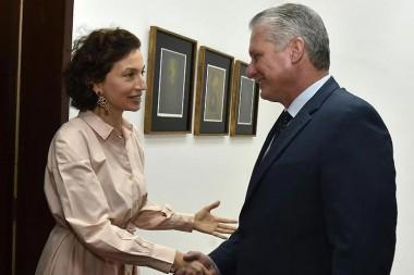 Recibe Díaz-Canel a directora general de la Unesco