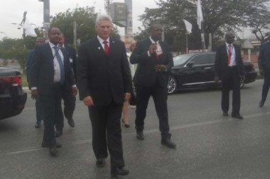 Díaz-Canel destaca disposición a colaborar con programas que desarrolla el MPLA en Angola