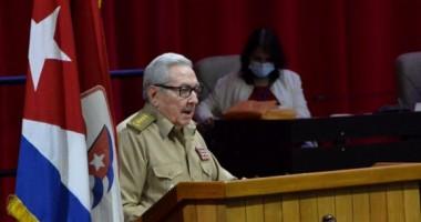 Inauguración del 8vo Congreso del Partido presidido por el General de Ejército Raúl Castro Ruz, Primer Secretario del PCC. Foto: Juvenal Balán/ Granma.