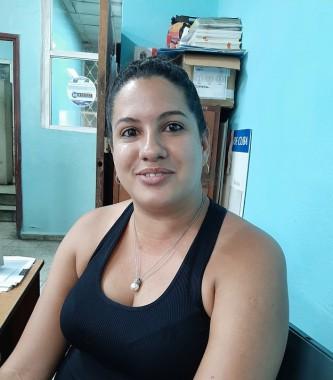 Lianet Rodríguez Frómeta, especialista en Comunicación de las oficinas de Correos Santiago de Cuba
