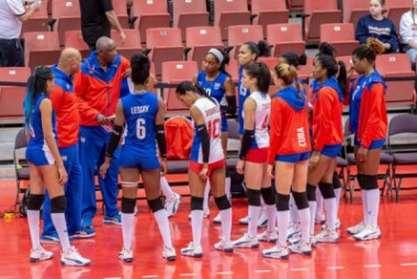 El equipo femenino de Cuba de voleibol