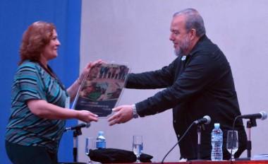 Reconocen a Raúl Castro por su atención al Programa de la Agricultura Urbana