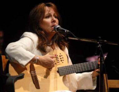 Cantautora cubana Liuba María Hevia