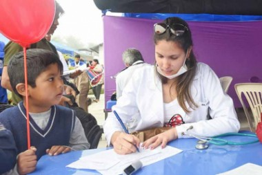 Médicos cubanos en Bolivia