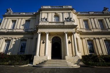 Los tesoros del palacete en un museo cubano