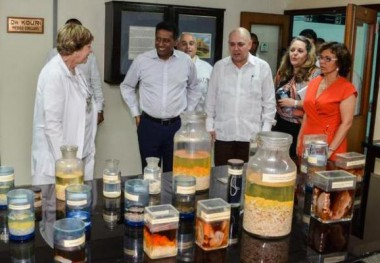 Presidente de Seychelles reconoce avances de la Medicina cubana