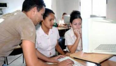 Profesor con sus alumnos.
