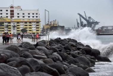 Los expertos vaticinan que el sistema tropical se fortalecerá en las próximas horas.