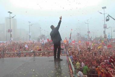 El Comandante Chávez junto al pueblo venezolano
