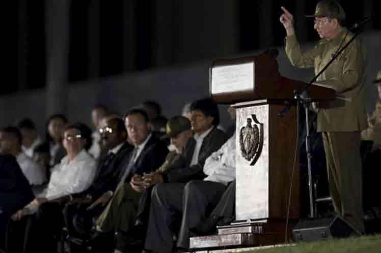 Raúl Castro en homenaje póstumo a Fidel Castro